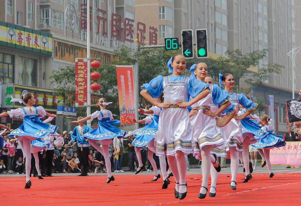 Кавер группа Summer в Китае #8: Работаем в китайском клубеBohdan...